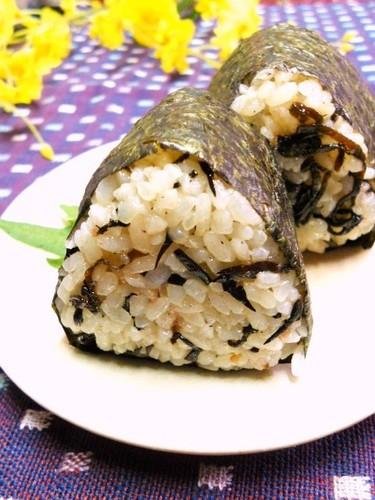 Rice Ball with Plum and Hijiki Seaweed