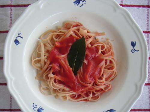 Basic Tomato Pasta