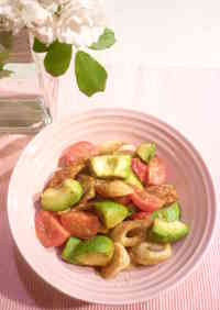 Quick Chikuwa, Avocado, and Tomato Stir-fry