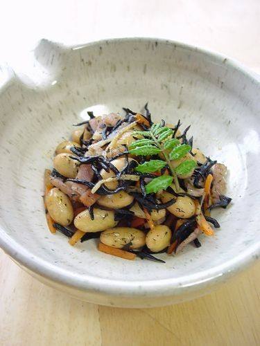 Soy Beans and Hijiki Seaweed Side Dish