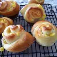 Subtly Sweet and Fluffy Apple Buns