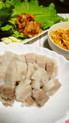 Lots of Veggies!  Simple Korean Boiled Pork Bossam
