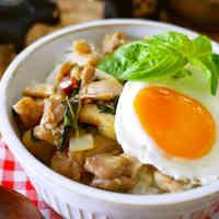 Café-style Phad Ga Prao (Thai rice dish)