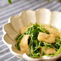 Simmered Pea Shoots and Aburaage