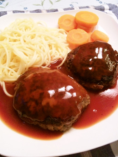 My Husband's Recipe for Healthy Hamburger Steaks with Carrots