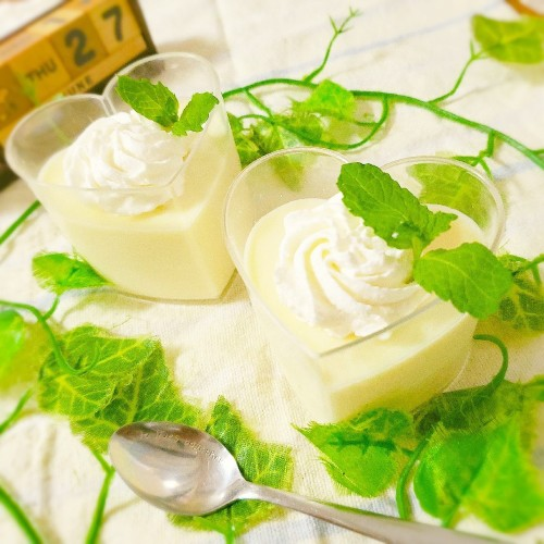Easy and Smooth 2 Ingredient White Chocolate Mousse
