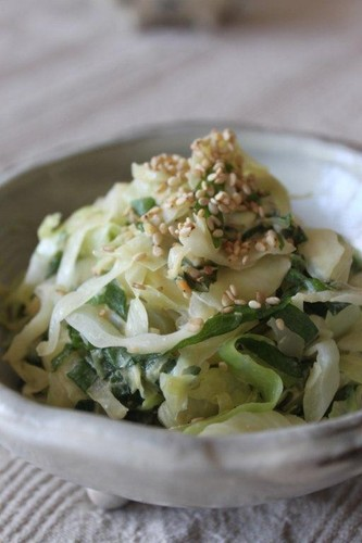 Refreshing Cabbage and Shiso with Mayonnaise and Miso
