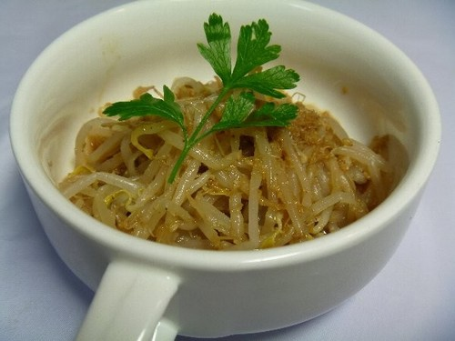 Bean Sprouts with Sesame and Vinegar Dressing - A Summer Macrobiotic Dish