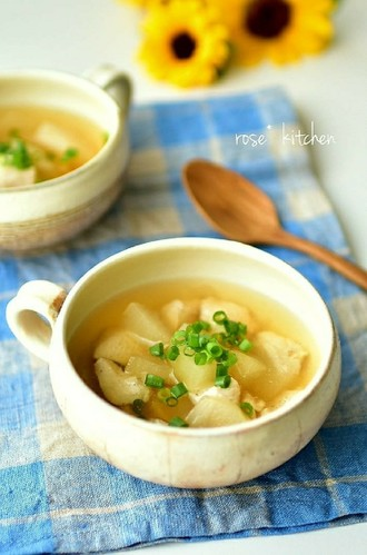 Mildly Flavored Winter Melon Soup
