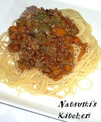 Meat Sauce (Bolognese) with Plenty of Vegetables