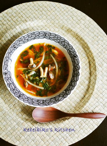 Mulūkhīya Soup Made With All-Purpose Korean Flavouring