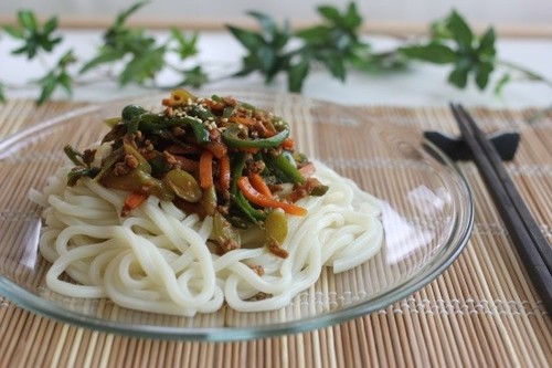 Delicious! Zhajiang Udon Noodles with Ground Meat and Green Pepper