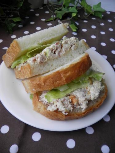 Nutty Tuna Sandwich