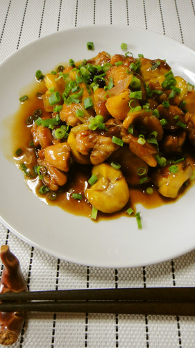 A Chef's Recipe for Chinese-style Chestnut and Chicken Stir-fry with Star Anise