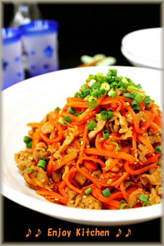 Carrots and Pork Vinegar Stir-fry