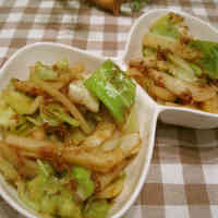 Cabbage and Potato Stir Fried With Bonito Flakes