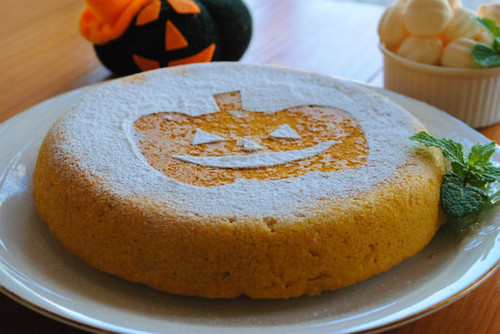 Halloween Kabocha Cake Made in a Rice Cooker from Pancake Mix