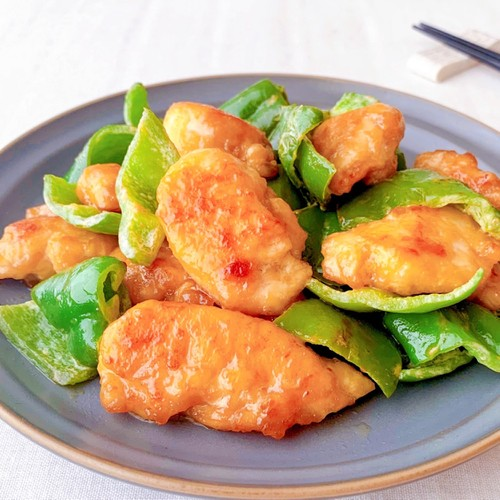 Stir-fried Chicken Tenders and Green Pepper with Soy Sauce Mayonnaise