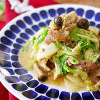 Chinese Cabbage and Pork Stir-Fry with Miso and Mayonnaise