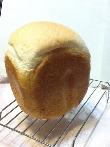Quickly Baked in a Bread Maker: Oil-free and Fluffy Sandwich Bread