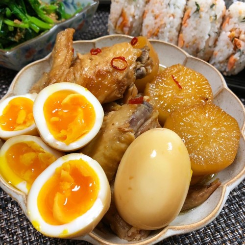 Simmered Chicken Wings and Daikon (White Radish)