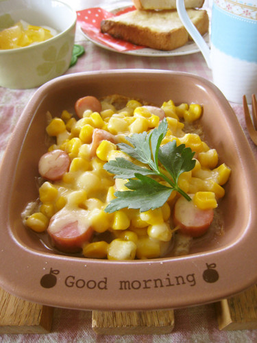 [For Breakfast] Wiener Sausages, Corn and Cheese Bake