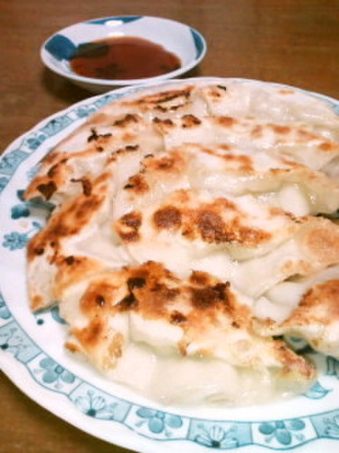 Delicious Gyoza Dumplings: Fried, Steamed, or Boiled!