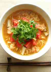 Instant & Simple Tom Yum Goong Ramen