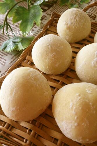 Fluffy White Bread Rolls Inspired by the Novel Heidi