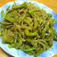 Sweet and Savory Green Pepper and Shirataki Noodle Stir-Fry