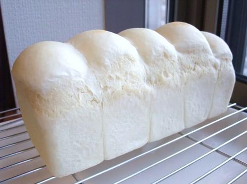 Heidi's White Bread in a Pound Cake Pan