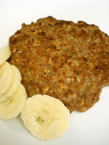 Easy-to-Make Banana Oatmeal Pancakes