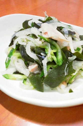 Japanese-style Salad with Daikon Radish and Tuna