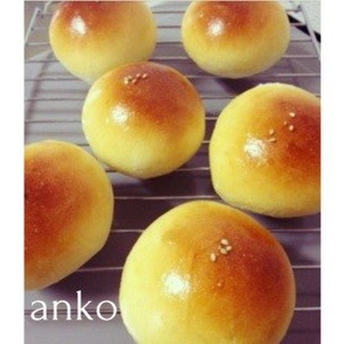 Round Bread Rolls Filled with Anko - Made in a Bread Machine