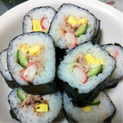 Kids' Favorite Salad Roll