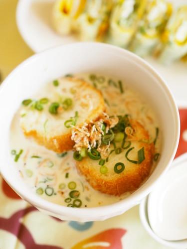 Taiwanese-Style Soy Milk Soup for Breakfast (Xian Dou Jiang)