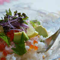 Cafe-style Chirashi Sushi Using Crab, Avocado, and Ikura