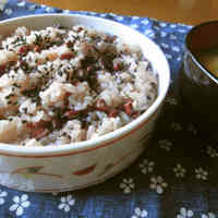 Adzuki Beans and Rice Steamed in a Rice Cooker