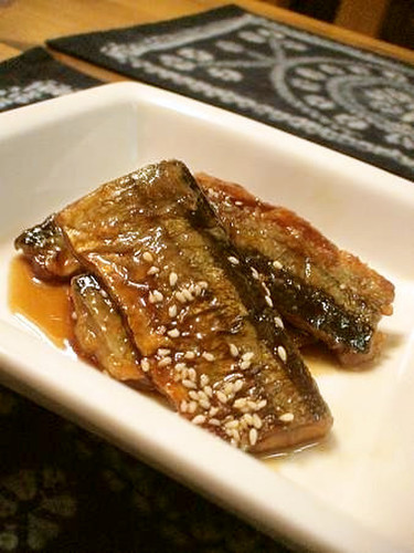 Delicious Sweet-Spicy Sauce Teriyaki Sanma (Pacific Saury)