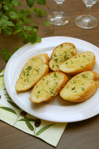 Foolproof Garlic Bread