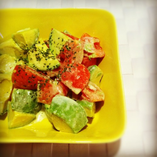Avocado and Tomato Salad with Sweet Chili Mayonnaise Dressing