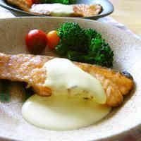 Salmon Meunière with Lemon Sauce