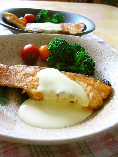 Salmon Meunière with Lemon Sauce