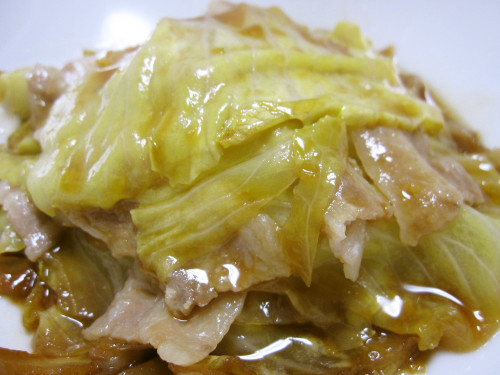 Layered and Steam-Cooked Cabbage and Pork with Oyster Sauce