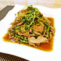 Pork Bits and Pea Shoots Stir-Fried with Ginger and Pepper