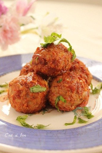 Meatballs Packed with Cabbage