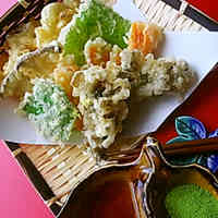 Crispy and Light: Vegetable and Mushroom Tempura