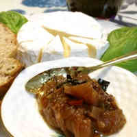 Jonathan Apple and Spicy Banana Chutney
