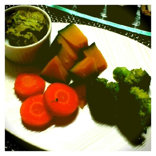 Steamed Vegetables with Avocado Sauce