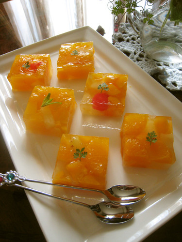 Cuttable Canned Fruit Jello